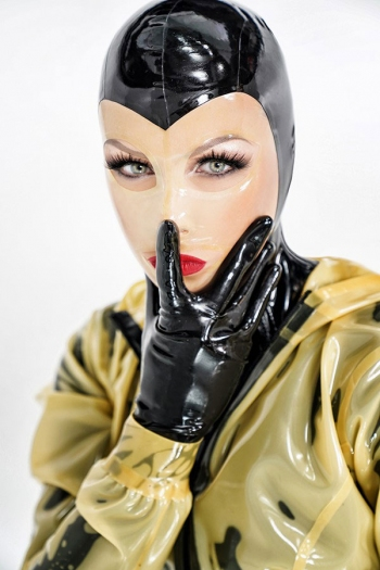 Rubber Mistress Miss Lucy